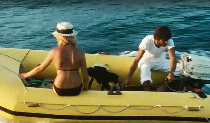 Hingerissen Von Einem Ungewöhnlichen Schicksal Im Azurblauen Meer Im August