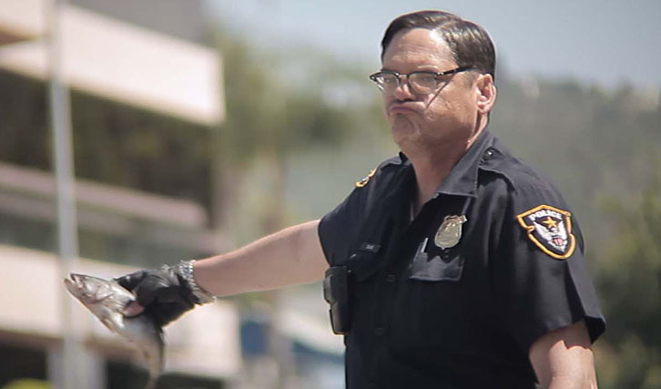 Polizistin Wird Vollgestopft