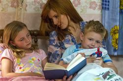 Kelly Reilly, Connor Corum, Lana Styles