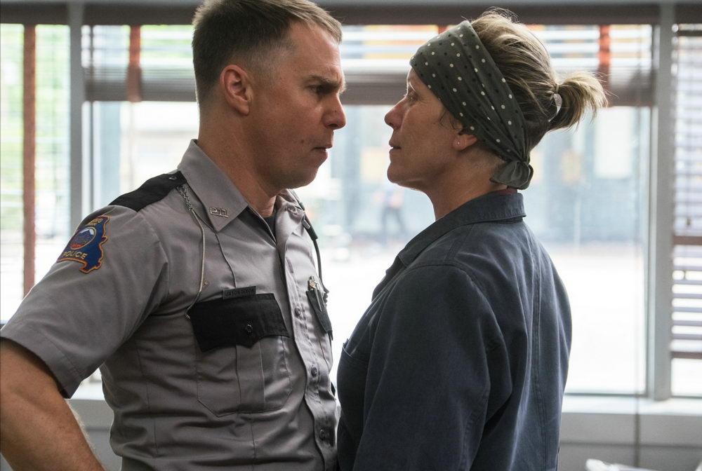 """Oscar""-prämiert: Sam Rockwell als hitzköpfiger Cop mit Frances McDormand in ""Three Billboards Outside Ebbing, Missouri"""