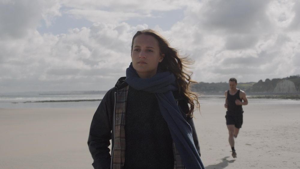 """Alicia Vikander mit James McAvoy in """"Grenzenlos"""""""