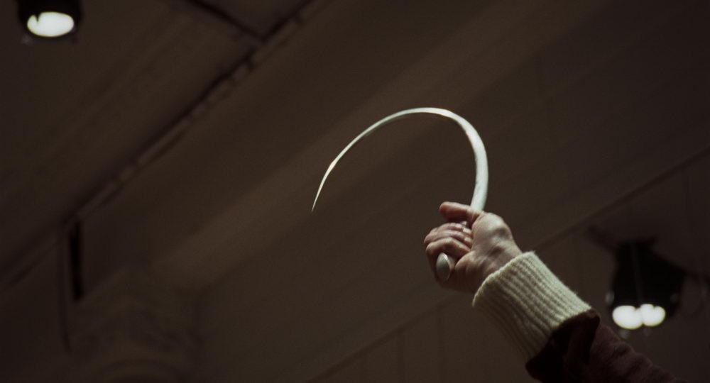"""Ein Mordwerkzeug aus Guadagninos """"Suspiria""""-Remake"""