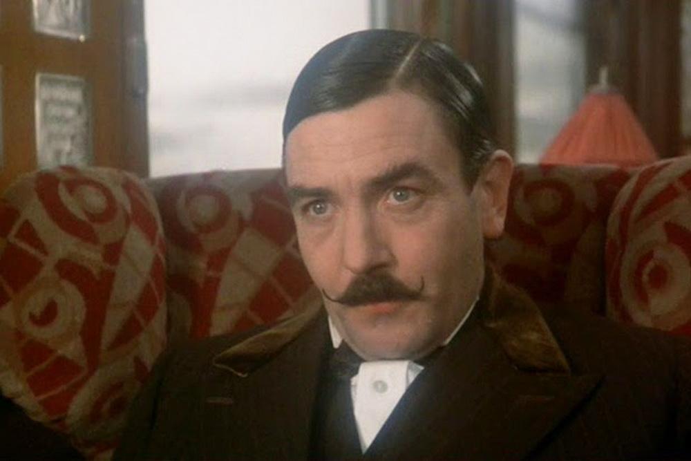 """In der Agatha-Christie-Verfilmung """"Mord im Orient-Express"""" bewies Albert Finney seine Wandlungsfähigkeit als Meisterdetektiv Hercule Poirot."""