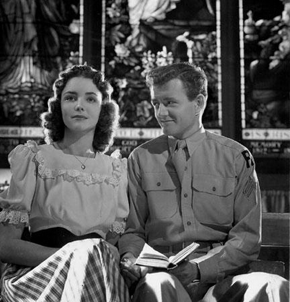 """Jennifer Jones mit ihrem ersten Ehemann Robert Walker im Familiendrama """"Als du Abschied nahmst"""" (1944). Produktion & Drehbuch: David O. Selznick."""