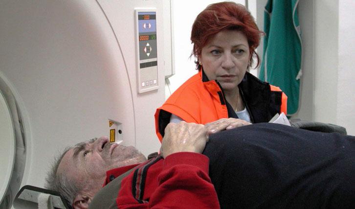 """""""Der Tod des Herrn Lazarescu"""" von Cristi Puiu ist eine bittere Satire auf das Gesundheitssystem Rumäniens."""