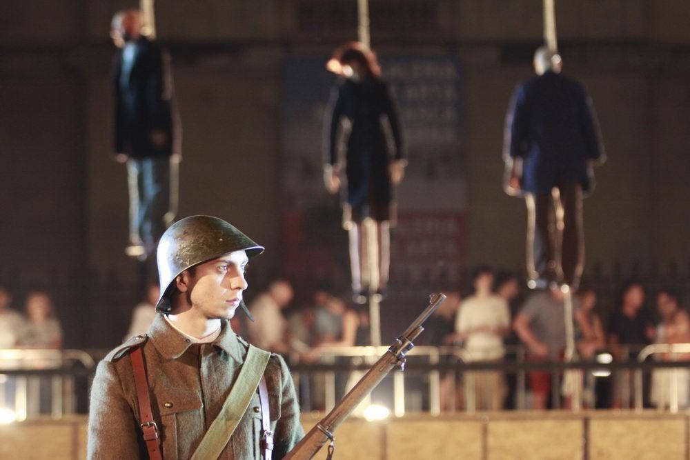 Erinnerungskultur: Der Versuch, verdrängte Verbrechen mittels Theater-Nachinszenierung wieder ins Bewusstsein zu holen