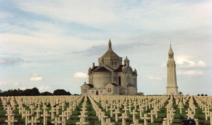 """Mahnmal gegen Kriege: """"Requiem"""" war 1992 das letzte Werk von Mertens & Marti"""