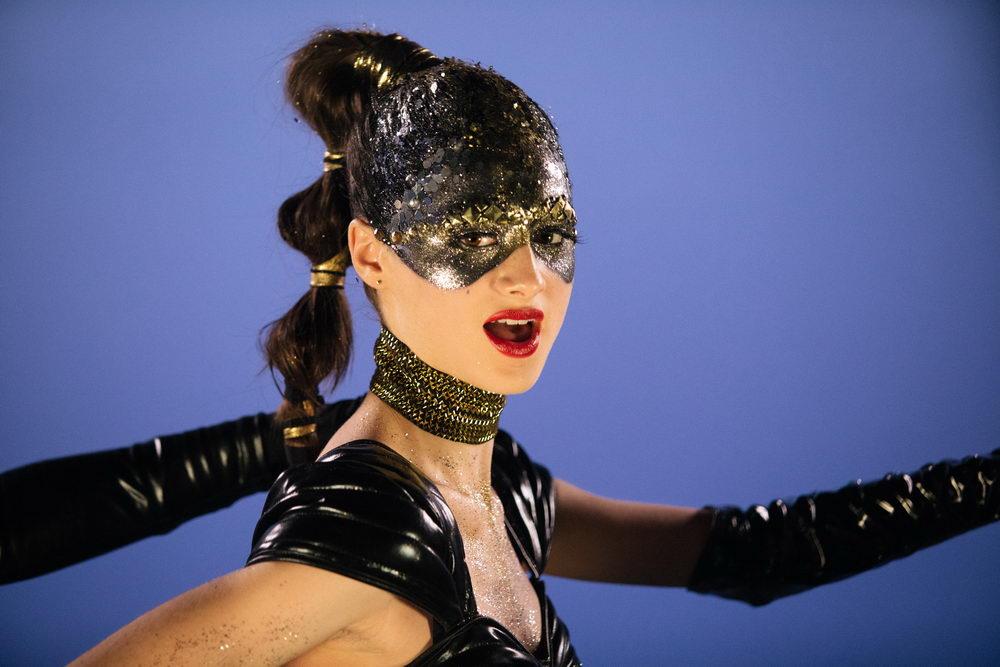 """Transformation vom Mädchen zur Pop-Ikone: Raffey Cassidy als junge Celeste in """"Vox Lux"""""""