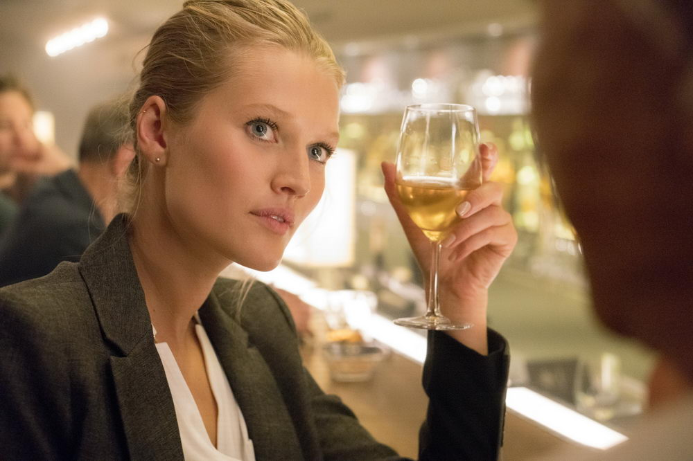 Episode: LOVE IS IN THE AIR, Toni Garrn