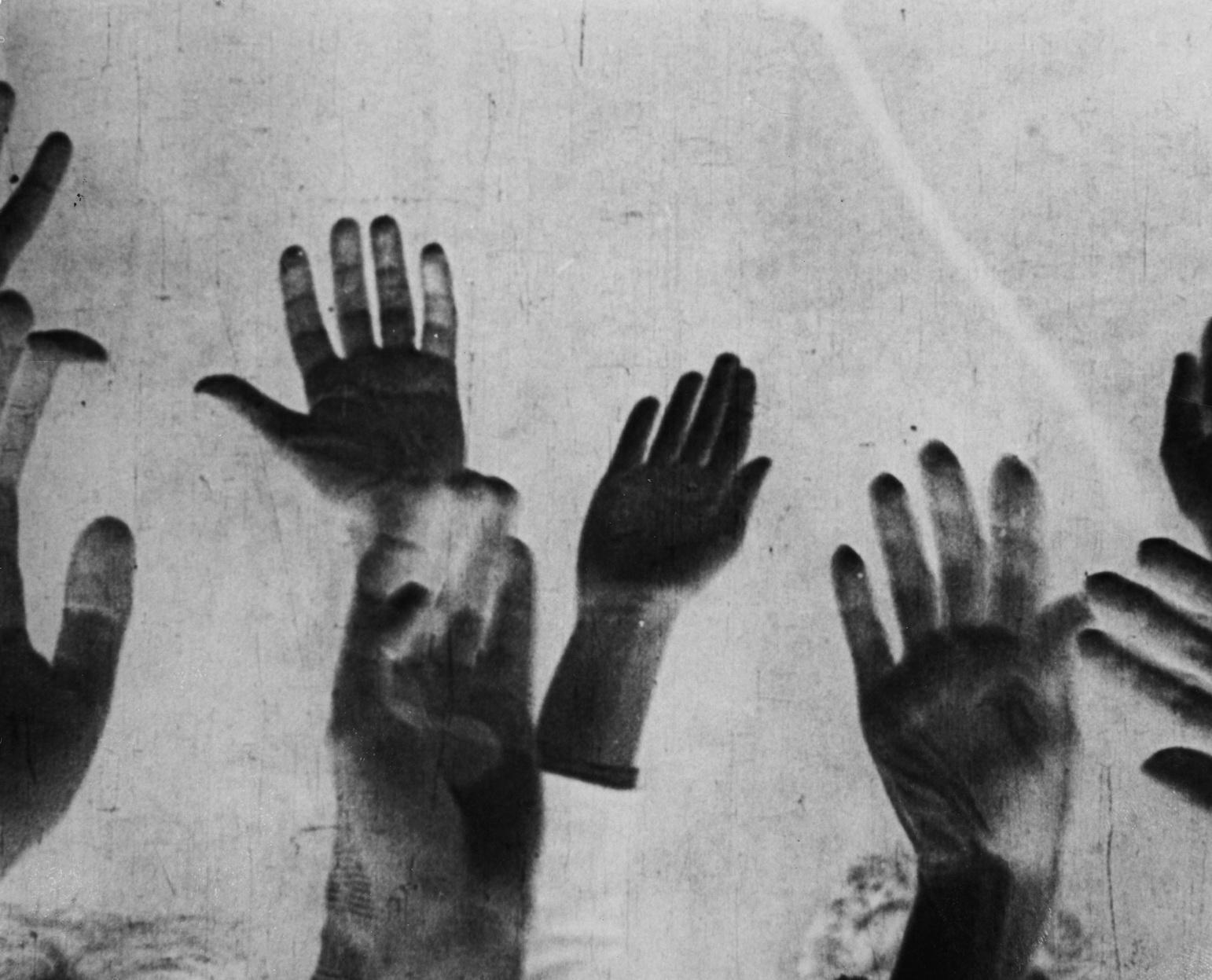 """""""Vormittagsspuk"""" (1928,Hans Richter), Quelle: Deutsche Kinemathek – Fotoarchiv"""