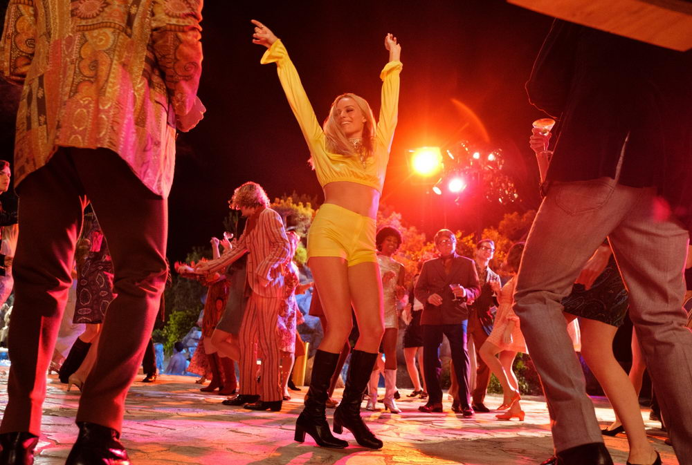 """Sharon Tate (Margot Robbie) im Film """"Once Upon a Time... in Hollywood"""" (© Sony)"""