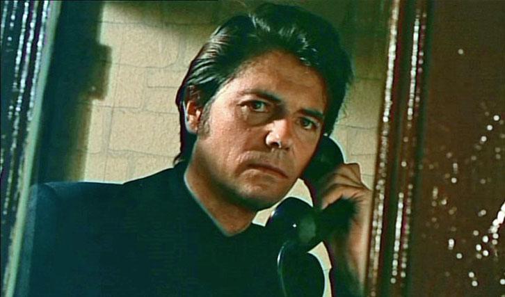 """Jean-Pierre Mocky im selbstinszenierten """"Eine Stadt zittert vor Solo"""" (1969)."""