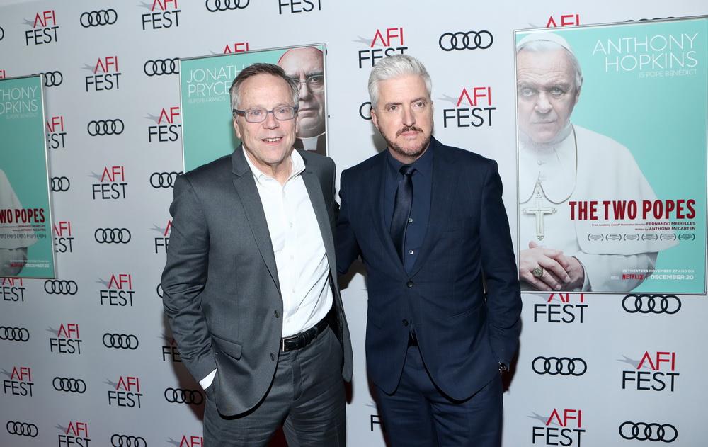 """Regisseur Fernando Meirelles und Anthony McCarten (von links) bei der Premiere von """"Die zwei Päpste"""""""