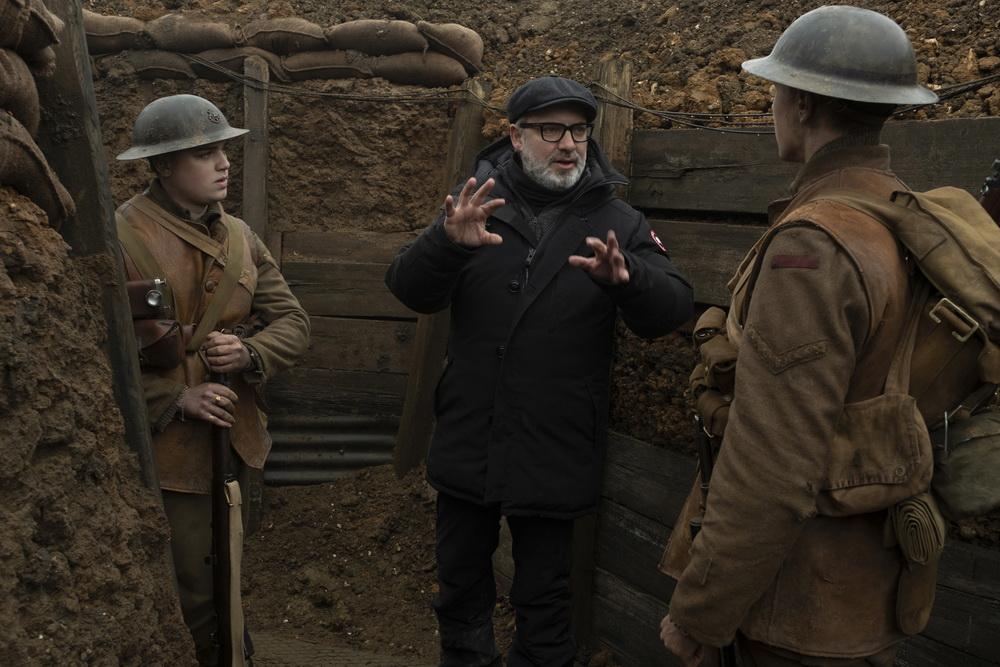 Beim Dreh im Schützengraben mit Dean-Charles Chapman und George MacKay