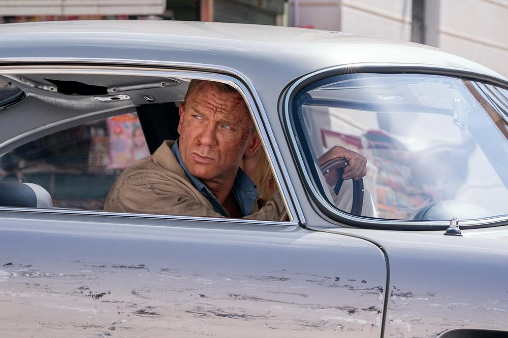 """James Bond ist auch in """"Keine Zeit zu sterben"""" ein Mann der schnellen Autos (© UPI)"""