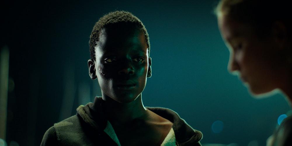 "Gedion Oduor Wekesa und Zita Gaier in ""Sunburned"" (© Camino)"