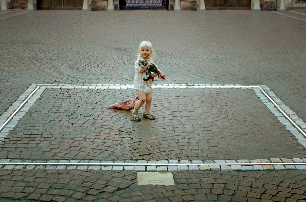 """The Square"" (© Plattform Produktion/Fredrik Wenzel)"