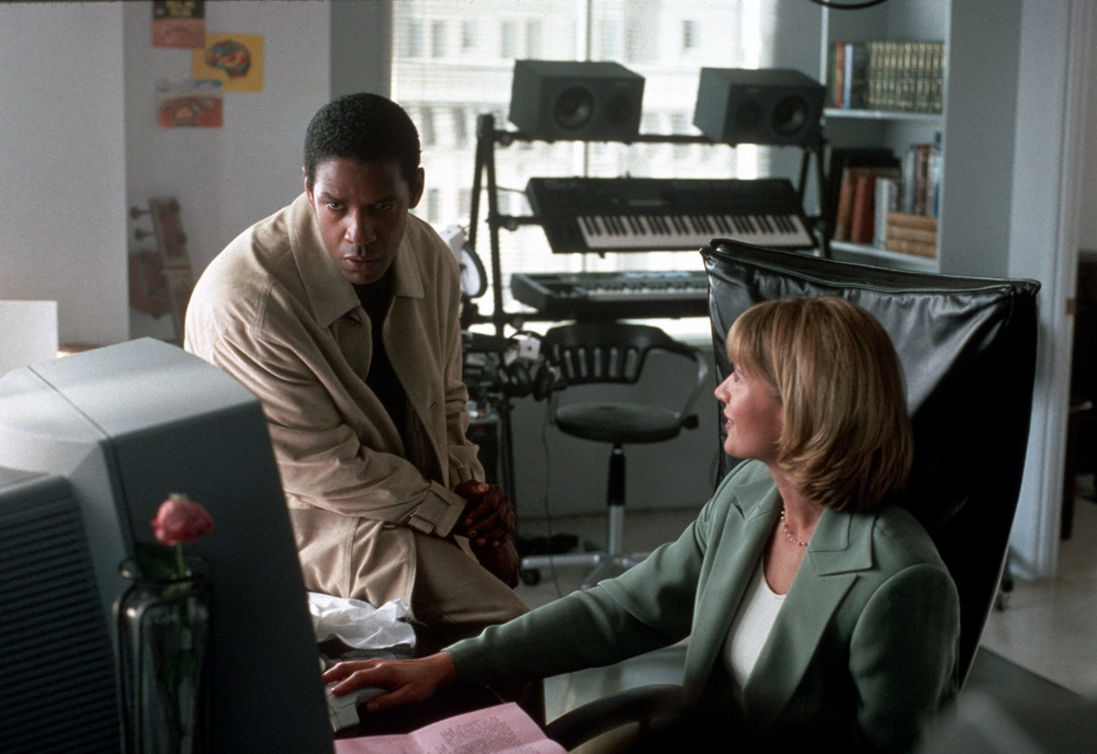 Denzel Washington, Kelly Lynch