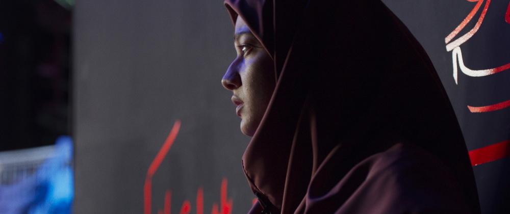 Sadaf Asgari spielt die unglückliche Frau, die um ihr Leben kämpft (© Little Dream)