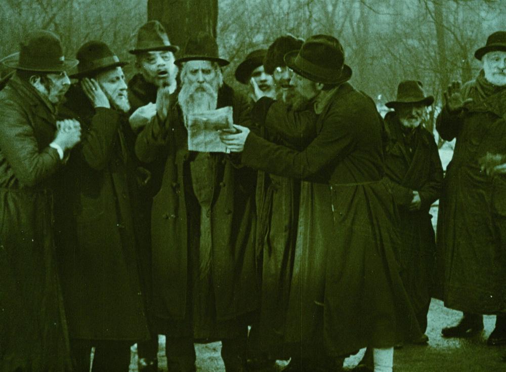 Die jüdische Gemeinschaft wird zum Sündenbock für die Probleme der Stadt Utopia gemacht.