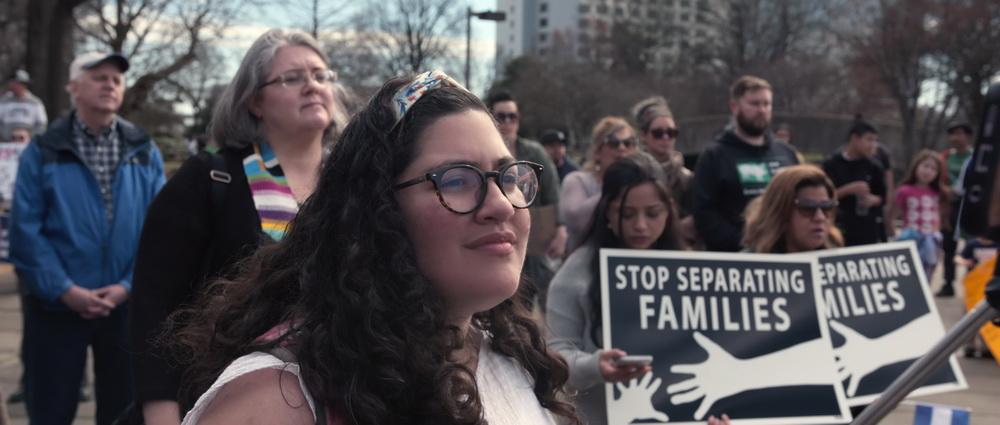 """Kritischer Blick auf die Gegenwart: """"Immigration Nation"""" (Foto: Netflix)"""