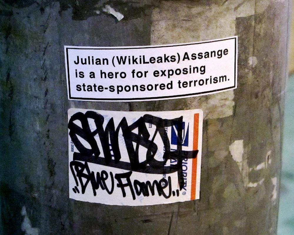 """Whistleblower werden zu modernen Heldenfiguren: Ein Still aus Alex Gibneys Dokumentarfilm """"We Steal Secrets"""" (2013), der die Geschichte der Internet-Plattform WikiLeaks aufrollt (© Universal)"""