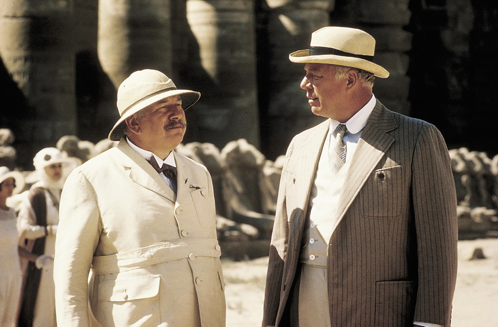 Peter Ustinov, George Kennedy