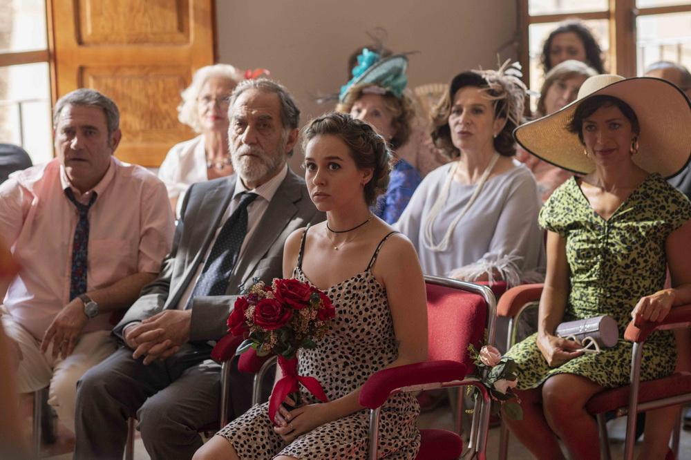 """Die Familie sorgt in """"Rosas Hochzeit"""" permanent für Aufregung (© Piffl)"""