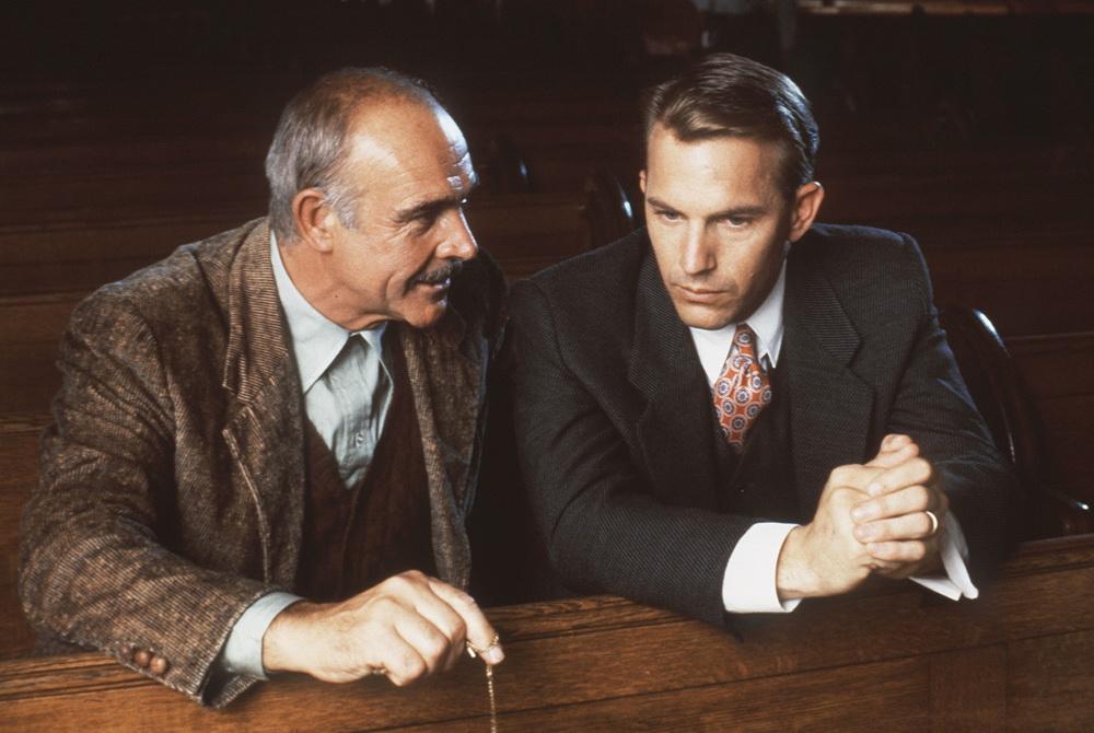 """Für """"The Untouchables"""" erhielt Sean Connery den """"Oscar"""" (mit Kevin Costner, © Paramount)."""