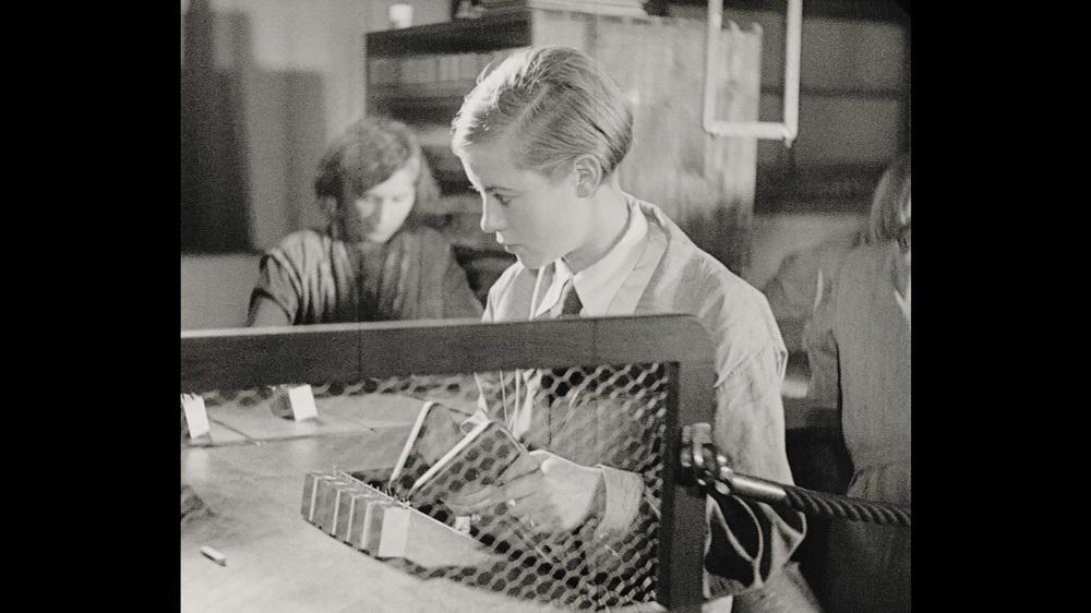 Hertha Thiele in ihrer Rolle als junge Arbeiterin Anni