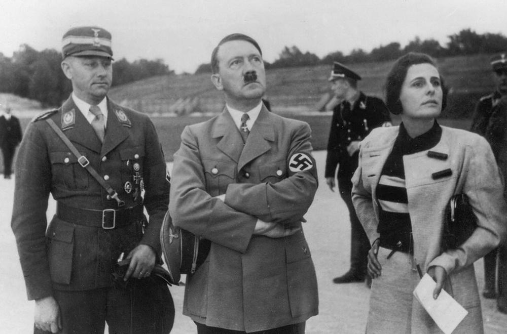 Hitler und Riefenstahl auf dem Parteitagsgelände in Nürnberg (NARA/Heinrich Hoffmann)