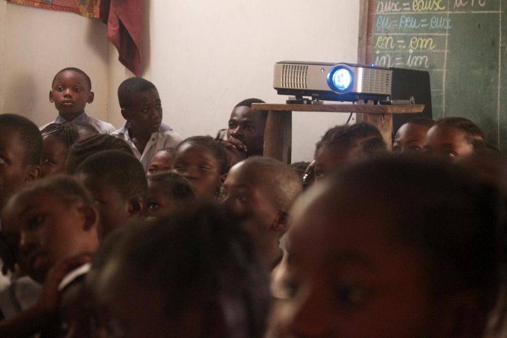Ein Schul-Screening in Kinshasa (© Cine Na Biso)