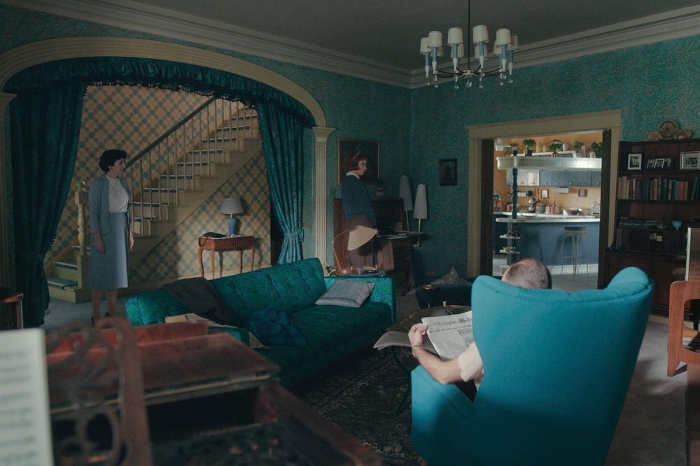 Wheatley House, Erdgeschoß. Szenenfoto: Phil Bray/Netflix © 2020 Netflix, Inc.