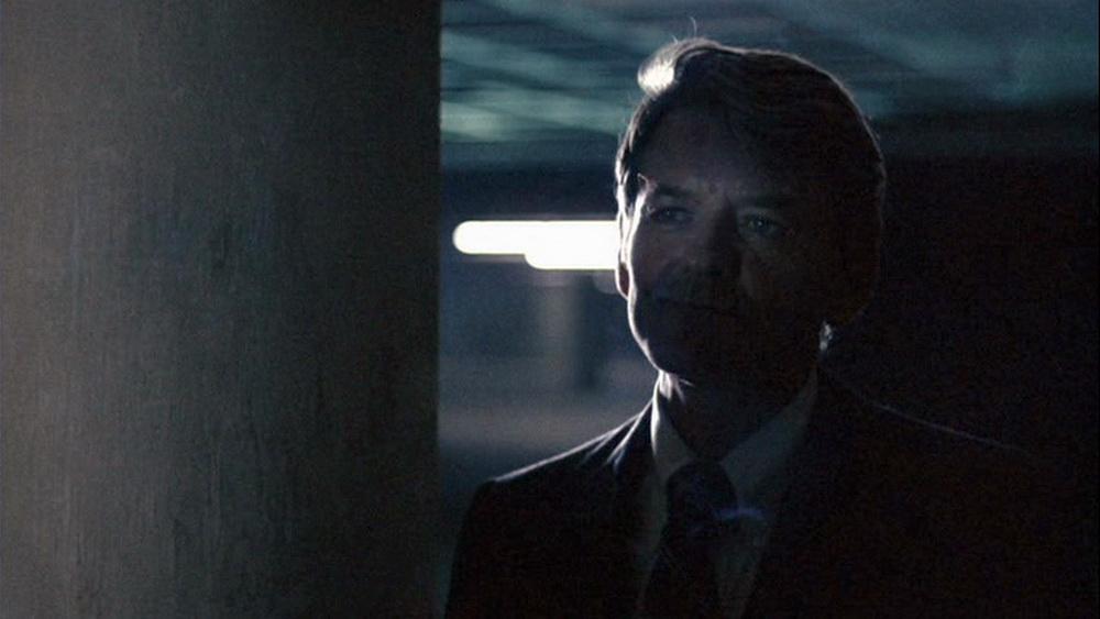 """""""Follow the Money!"""" - die Rolle des Informanten in """"Die Unbestechlichen"""" wurde zu einer der bekanntesten von Hal Holbrook (© Warner)"""
