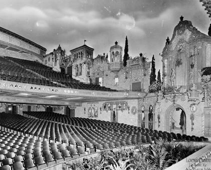 """Coverausschnitt aus """"Raumgeben"""": Das Loew's Theatre in Louisville, Kentucky (Vorwerk 8)"""