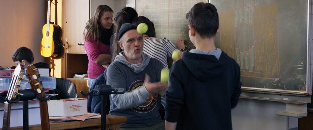 Spielerische Ansätze gehören zu Dieter Bachmann dazu (© Madonnen Film)