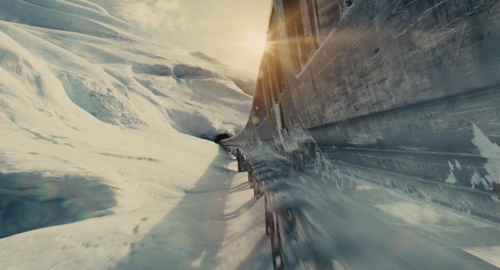 """In """"Snowpiercer"""" beherbergt ein rasender Zug die letzten Menschen (© MFA+)"""