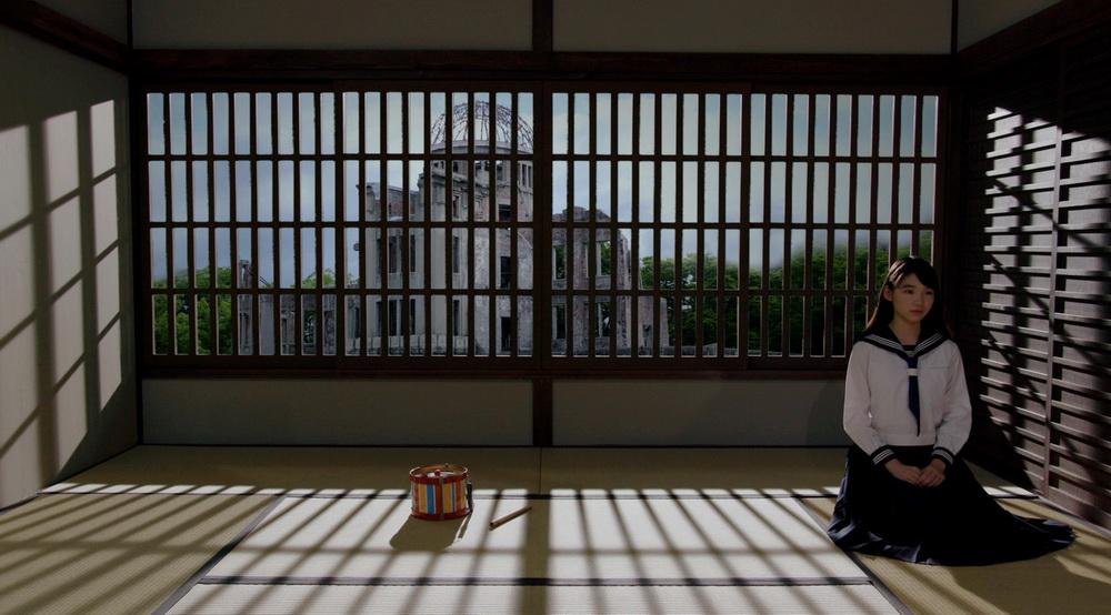 """Alles ist möglich, auch noch in Obayashis letztem Film """"Labyrinth of Cinema"""" (© MUBI)"""