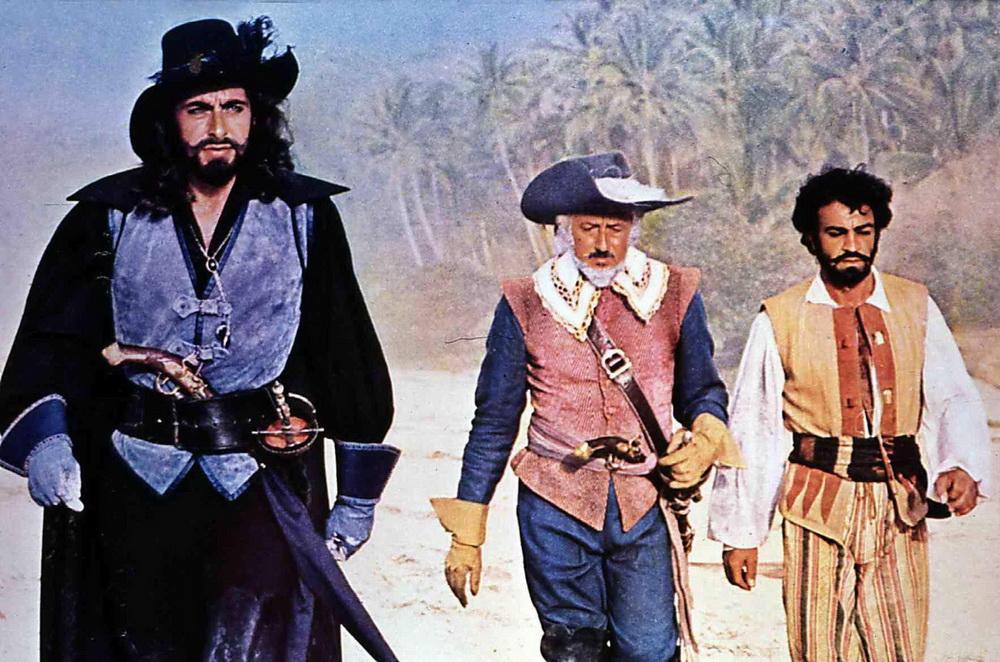 """Auch Sollimas Piratenfigur in """"Der schwarze Korsar"""" widersetzt sich den Ausbeutern (© IMAGO / United Archives)"""
