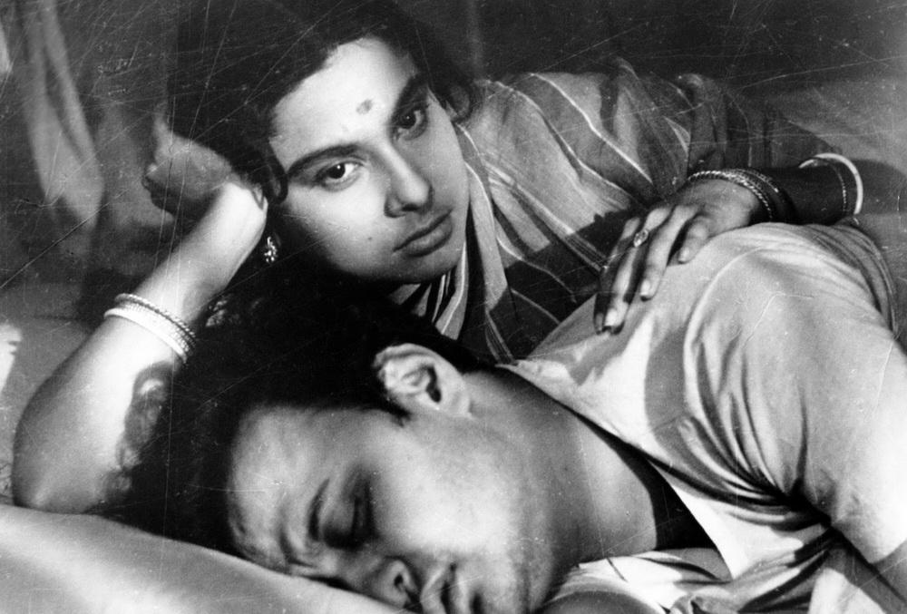 "In Satyajit Rays Filmen übers moderne Indien gelingt Frauen wie in ""Mahanagar"" die Emanzipation (© IMAGO / Everett Collection)"