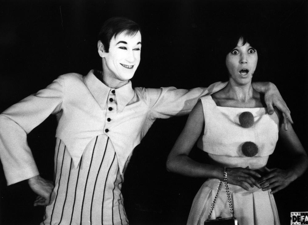 "Mit dem Berufswunsch Clown entzieht sich Helene den ""Erziehungsberechtigten"" (© DEFA-Stiftung/Hartkopf Rambow)"