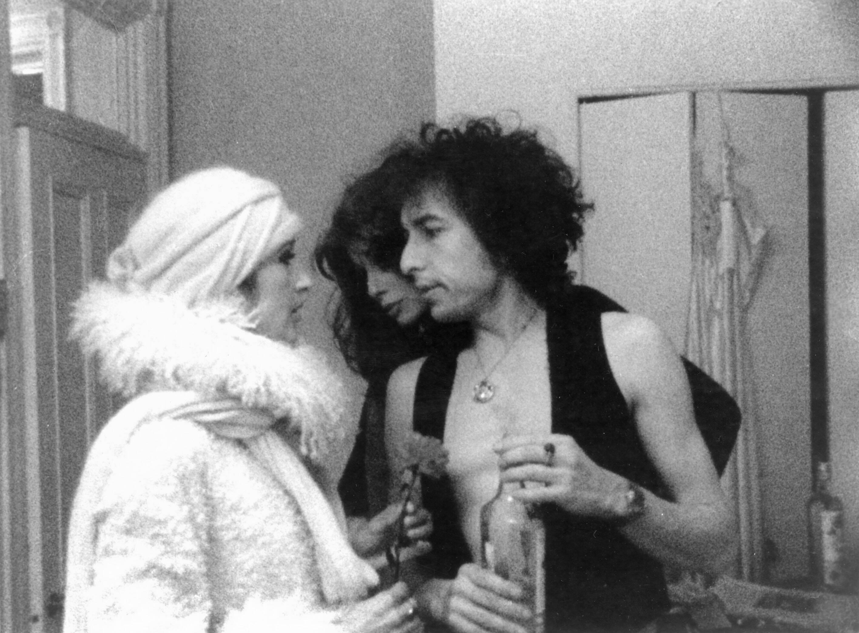 """Nur ein weiteres LIed: Joan Baez und Bob Dylan in """"Renaldo und Clara"""" (imago/Ronald Grant)"""