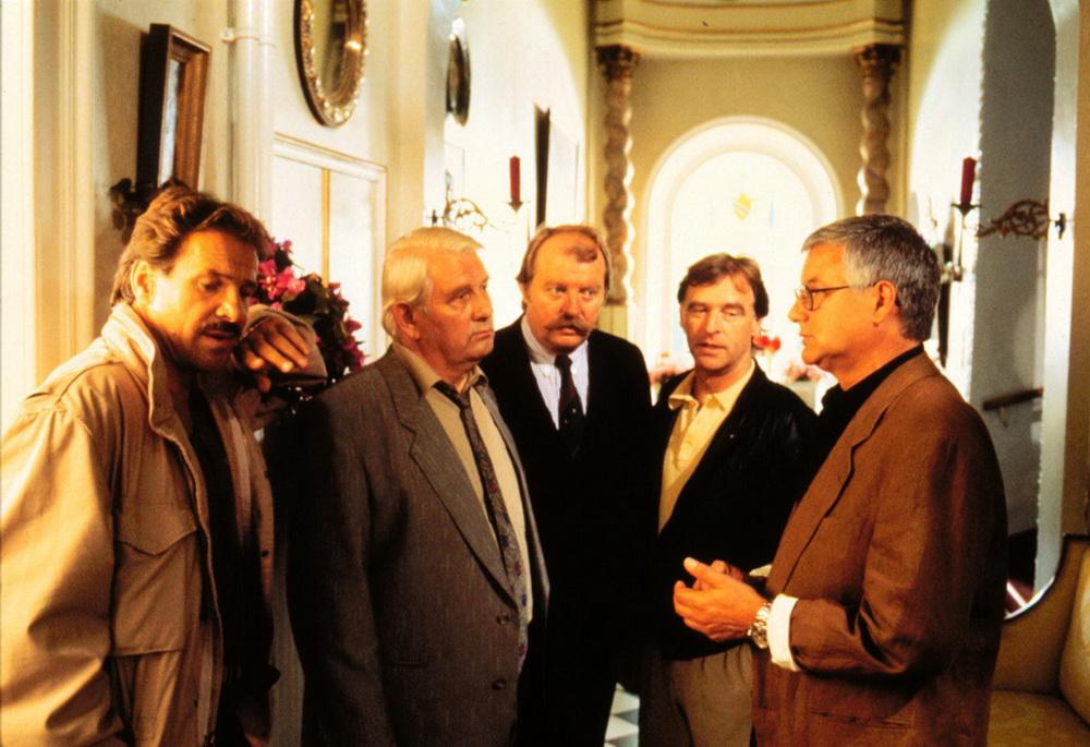 """""""Unter Brüdern"""" mit Götz George, Andreas-Schmidt-Schaller, Peter Borgelt und Eberhard Feik"""" (imago/United Archives)"""
