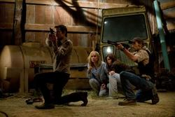 Timothy Olyphant, Radha Mitchell, Joe Anderson, Danielle Panabaker